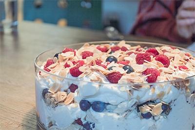 Einfaches und fruchtiges Dessert – die Eton Mess